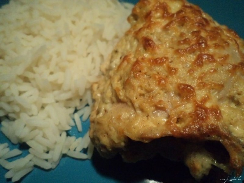 Mustáros - fokhagymás mártásban sült csirkecomb