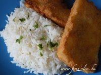 Rántott sajt rizzsel és tartásmártással