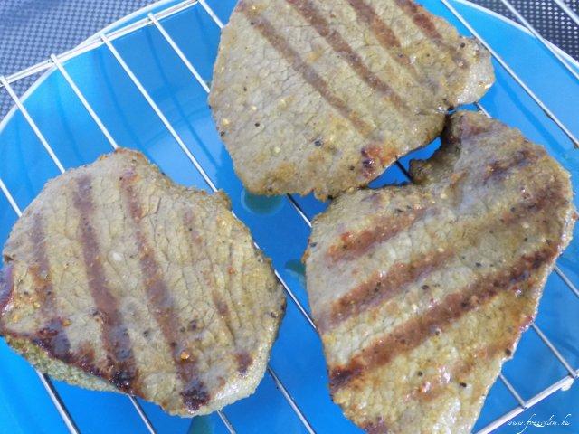 Marhabélszín steak